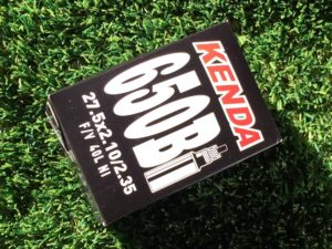 KENDA Camera d'Aria 27,5 x 2,10/2,35 Valv. Schrader