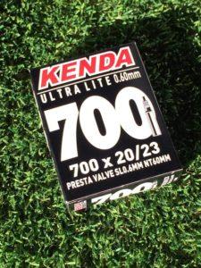 KENDA Camera d'Aria 700 x 20/23 Valv. Fr. 48 mm